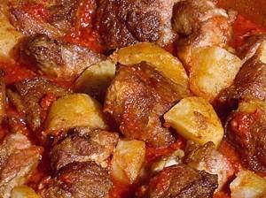 Ястие с телешко и картофи