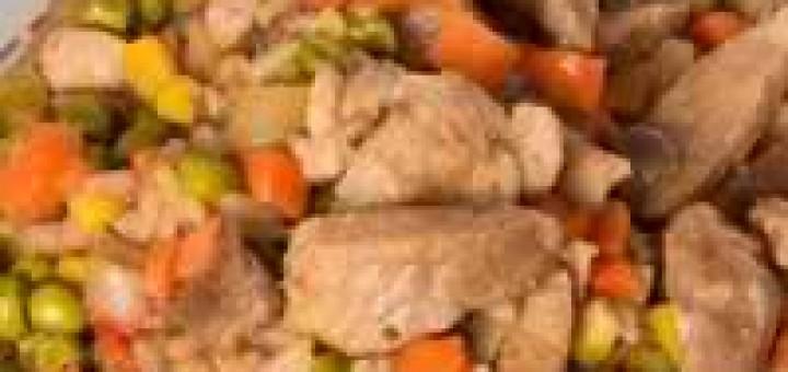 svinsko-s-morkovi-i-grah