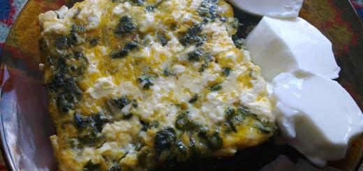 Спанак с яйца и сирене на фурна