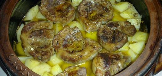 Вратни пържоли с картофи на фурна