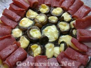 Пълнени гъби на фурна с рулца от шунка