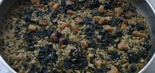 Свински бут с ориз и коприва