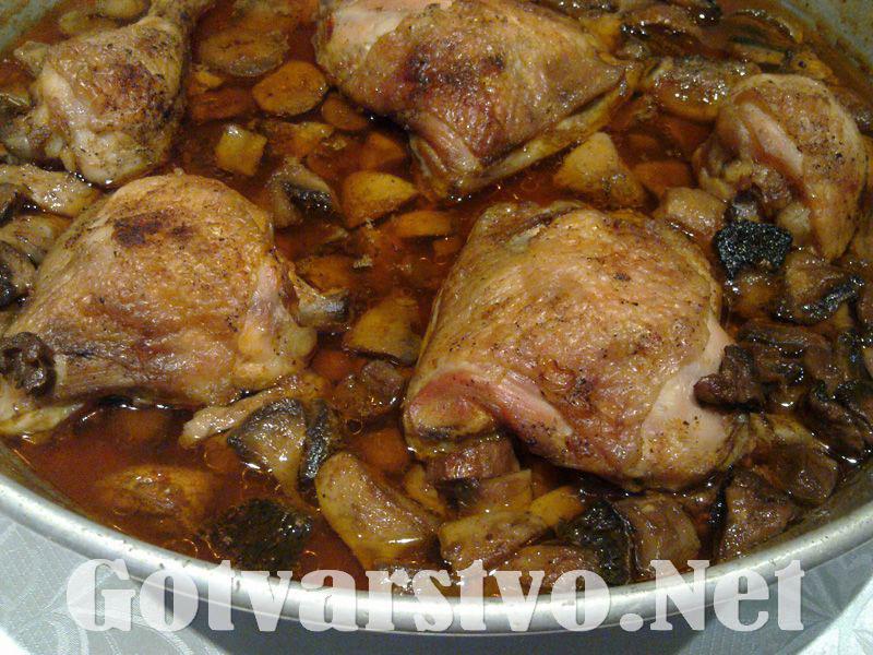 Ястие с пилешко и печурки