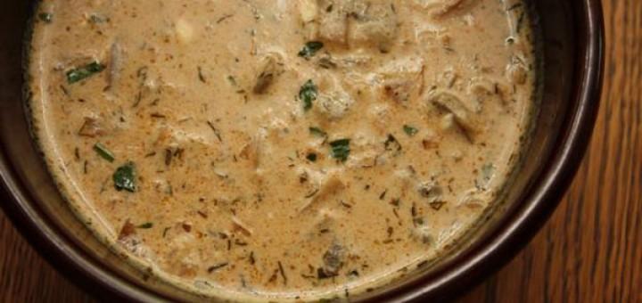 Гъбена супа с език