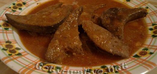 Свински дроб с доматен сос