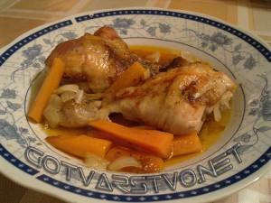 Пилешки бутчета с моркови и лук